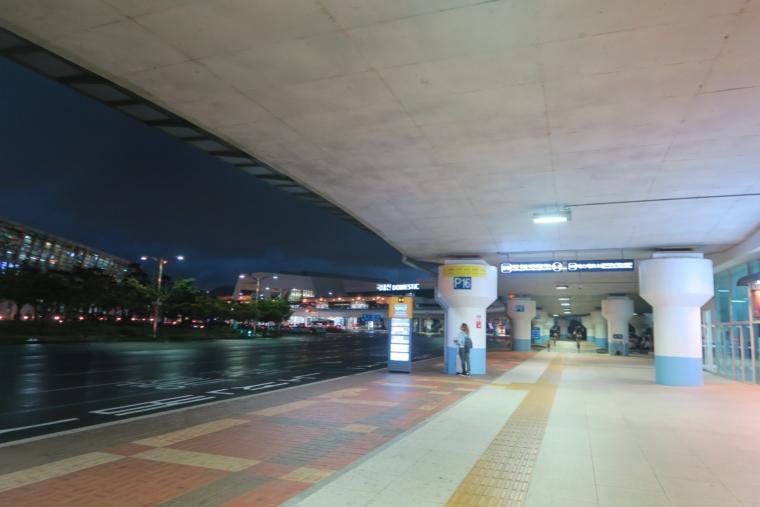 金海空港バスターミナル