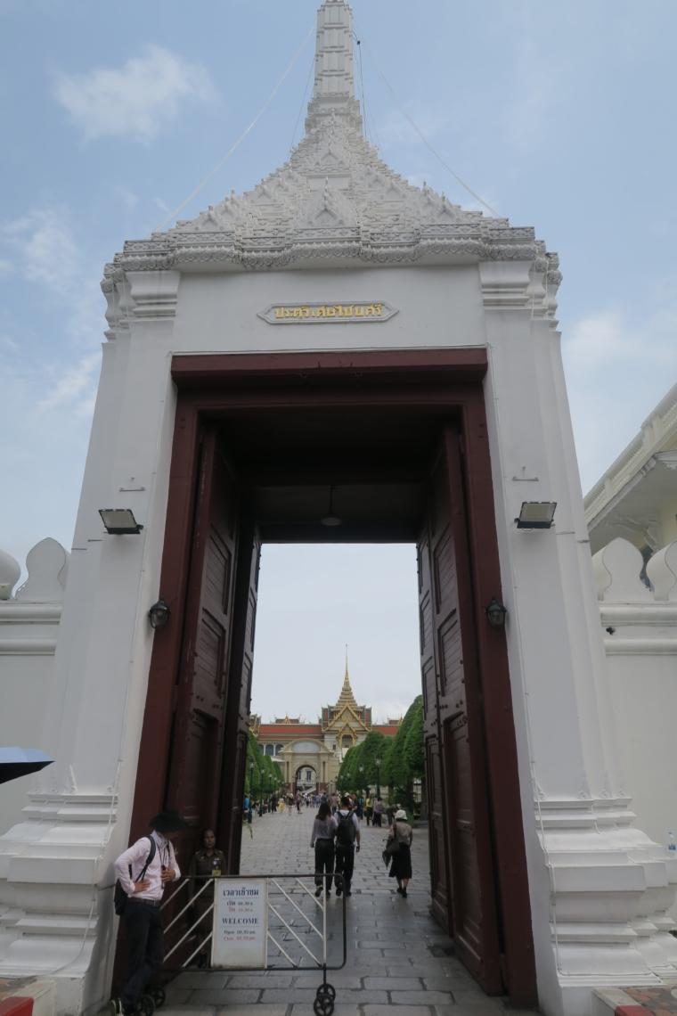 王宮入り口