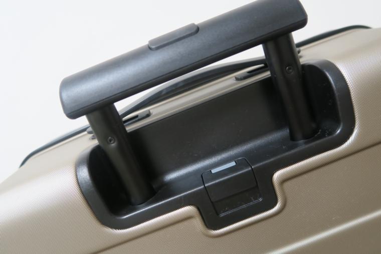 無印良品のスーツケースのハンドルロッ