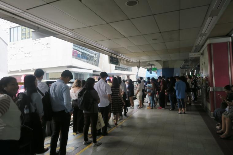 サイアム駅の混雑
