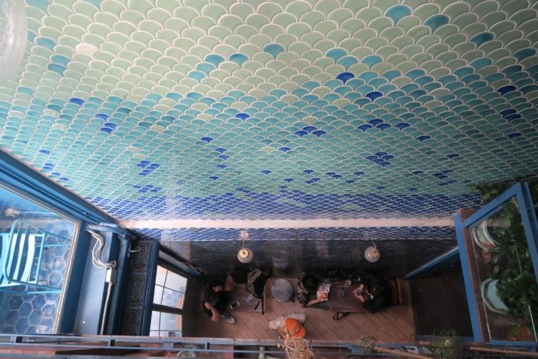ブルーホエール壁のタイル