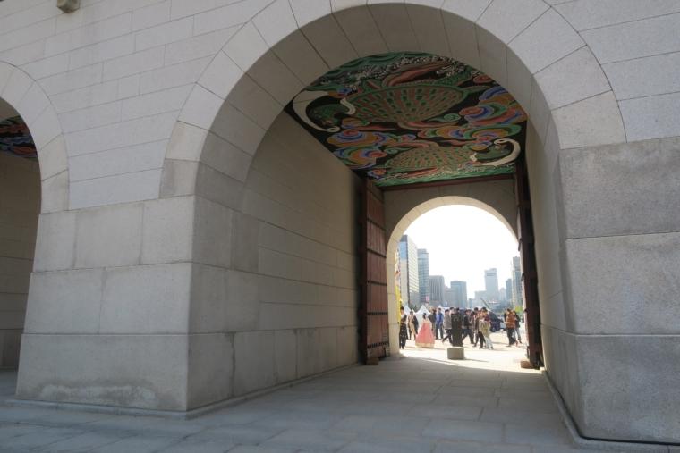 光化門から見えるソウル市内