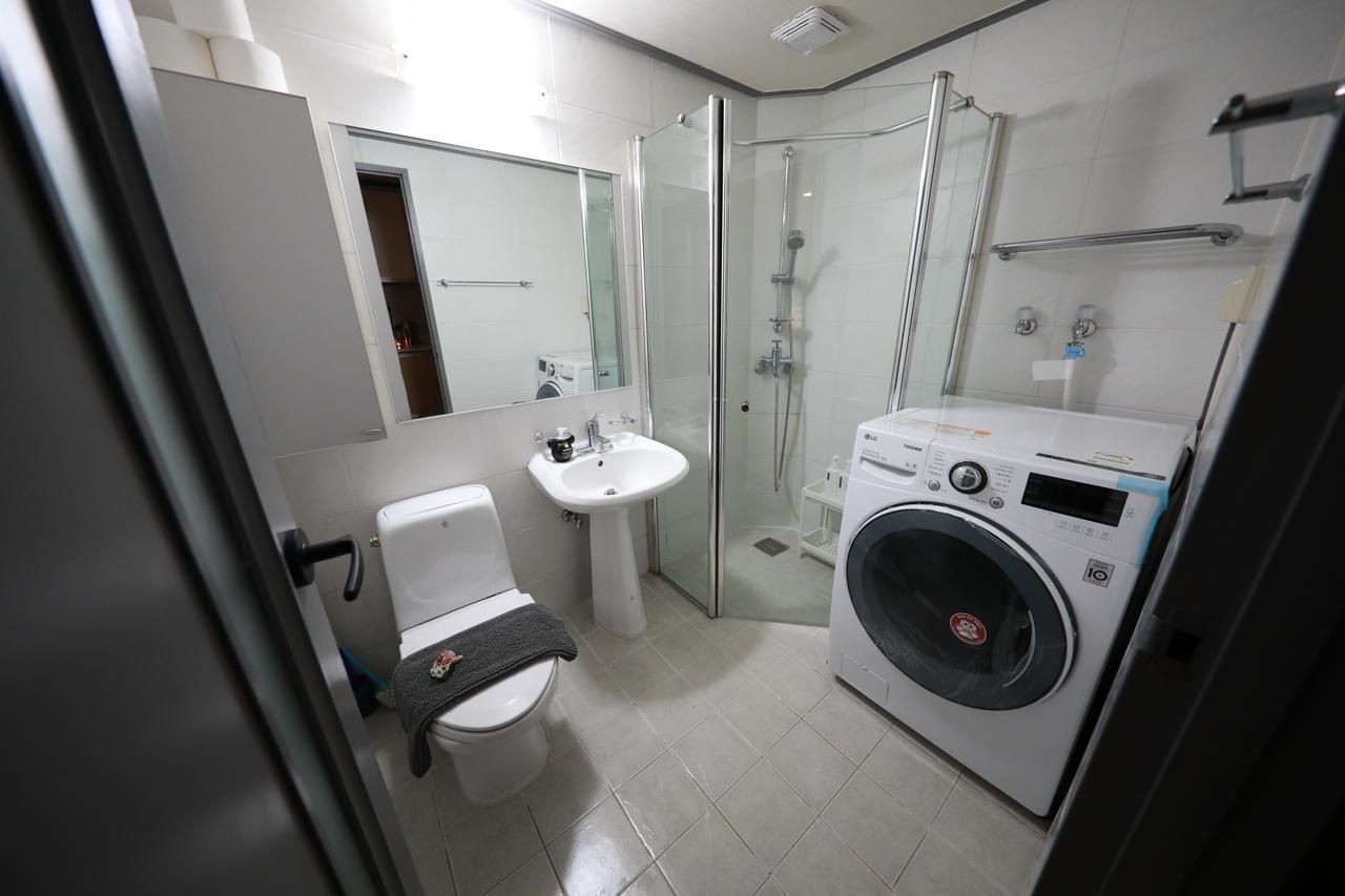 洗面所トイレ洗濯機