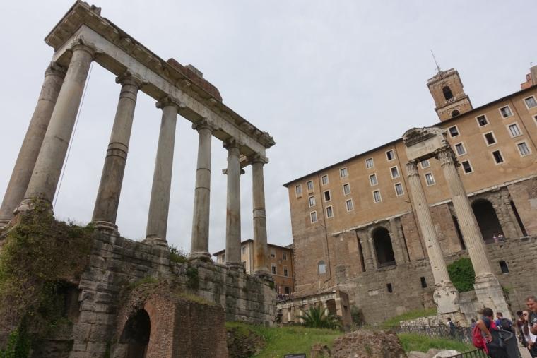サトゥルノの神殿