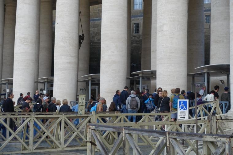 VaticanCity-entrance