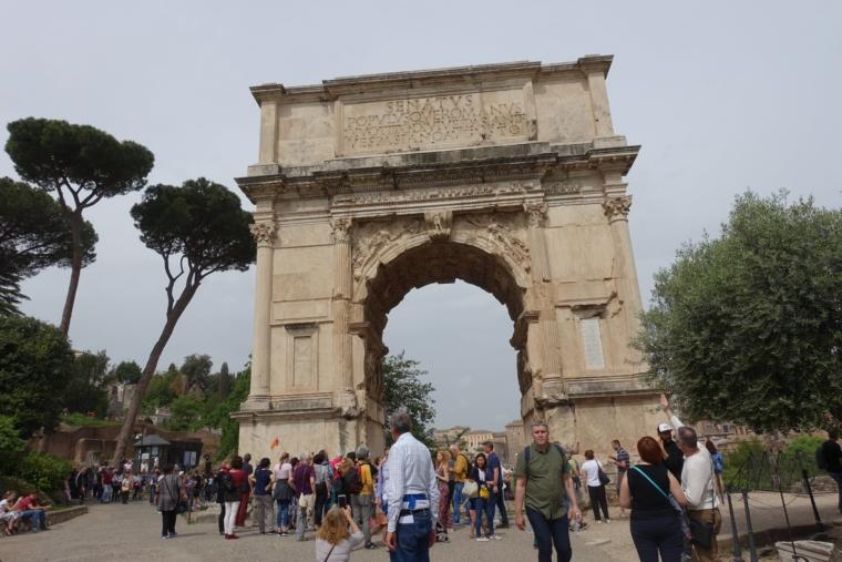 ティトウス亭の凱旋門