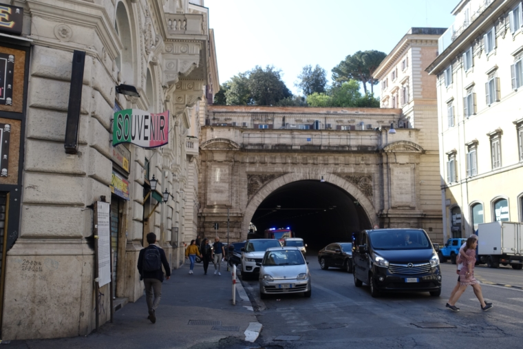 Tunnel-of-Giardini-del-Quirinale
