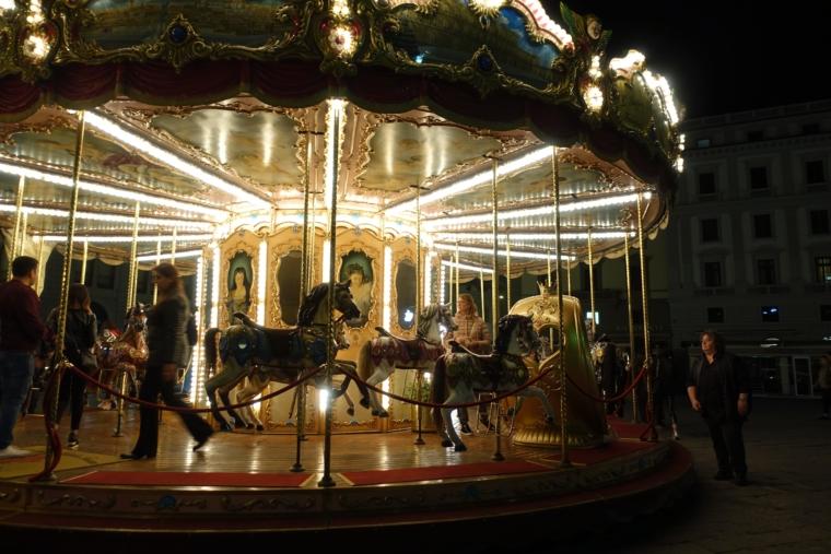 Merry-go-round (3)