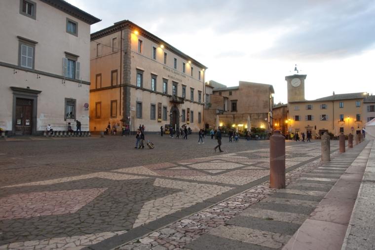 in-front-of-Duomo-di-Orvieto