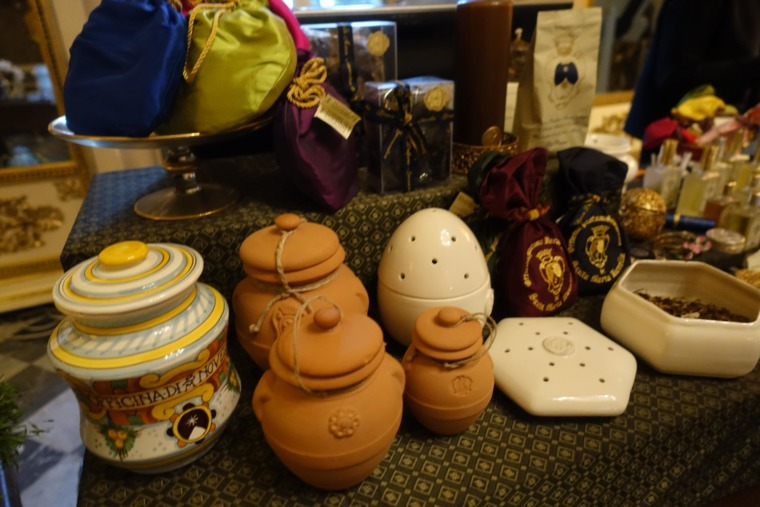products-of-Santa-Maria-Novella (5)